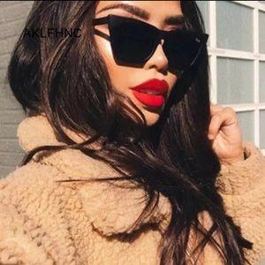 🎀Femme Fatale Retro UV Protection Sunglasses 🕶